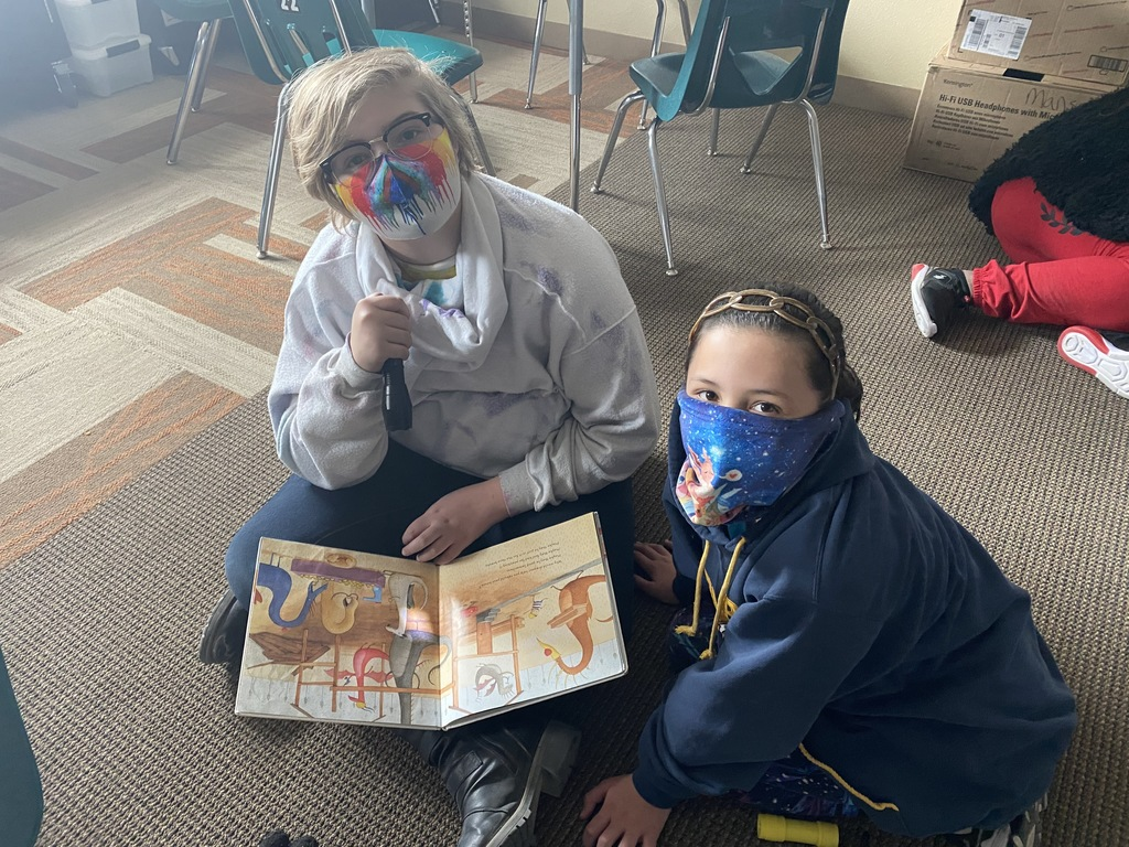Reading together at Manse Elementary