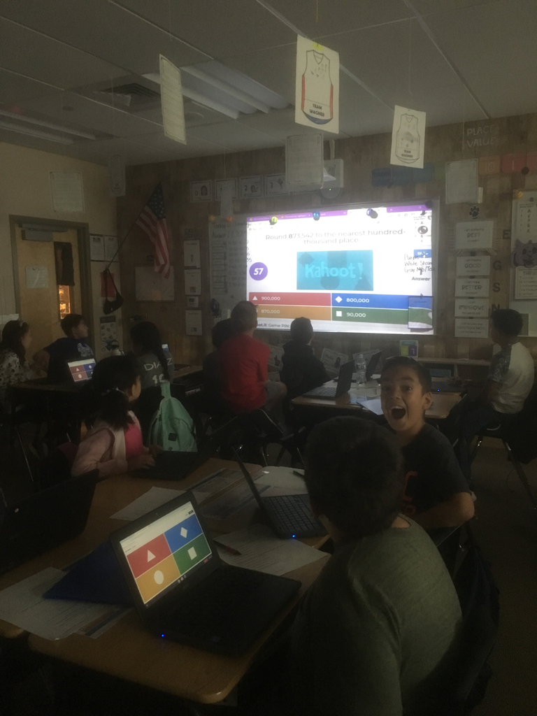 4th grade excited about playing Kahoot!